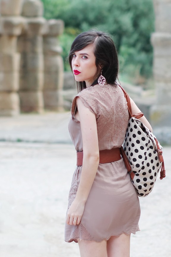 outfit_fashion blogger_outfit vestito marrone_moda estate_zainetto a pois_nunzia cillo_entrophia