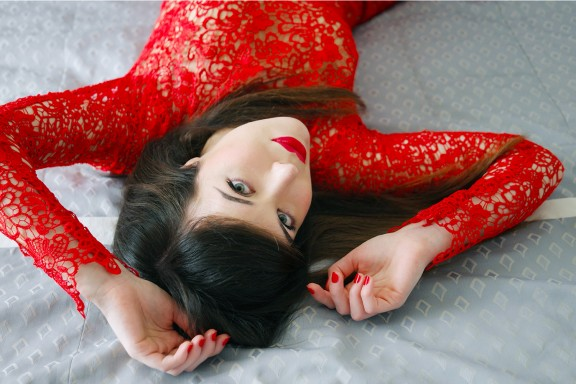 Red lace long dress_fashion blogger_nunzia cillo_elegance_wedding red dress